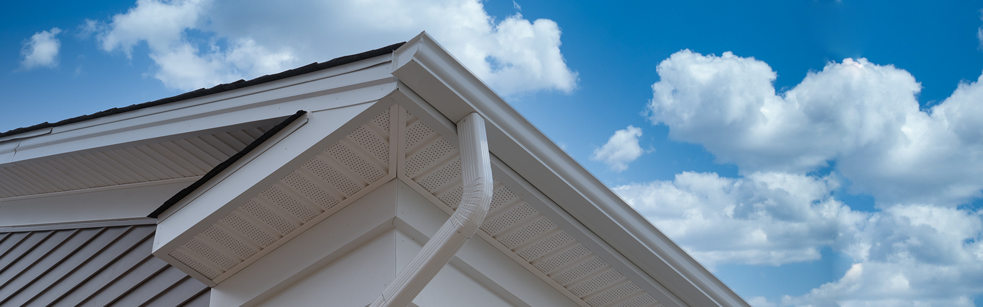 altitude-roofing-siding-windows-steel-roofing-services-wi_0004_gutters